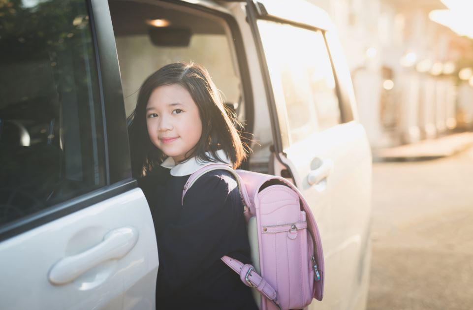 女の子に小学校の入学祝いを贈るとき。選び方や実際に贈って喜ばれたアイテム