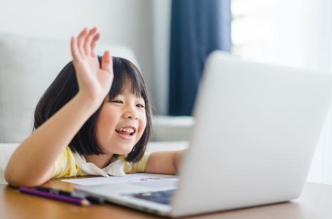 オンラインの幼児教育で受けられる内容。オンラインならではのメリットやデメリット