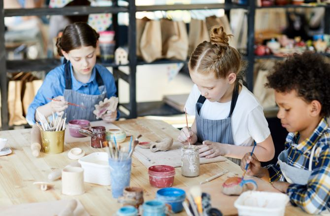 シュタイナー教育とは。シュタイナーの特徴や幼児教育として実際に行っていること
