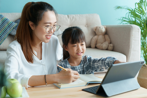 子ども向けオンラインイベントの種類や探し方。自宅で過ごしたい家庭が活用したサービス
