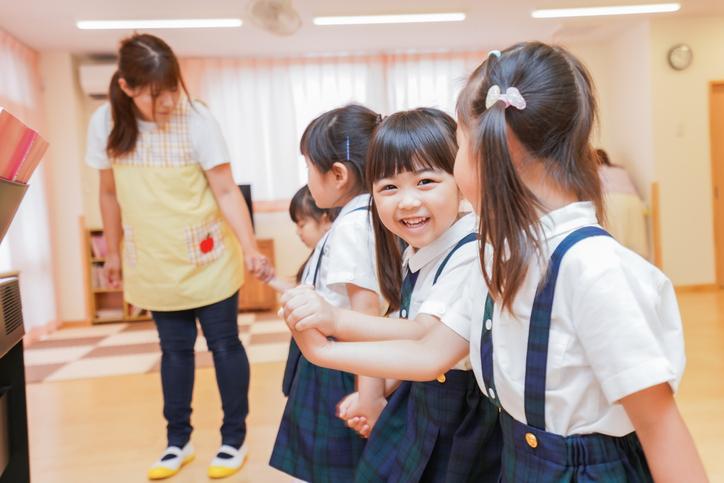 幼稚園の預かり保育とは?幼稚園教諭の資格を活かした働き方の種類