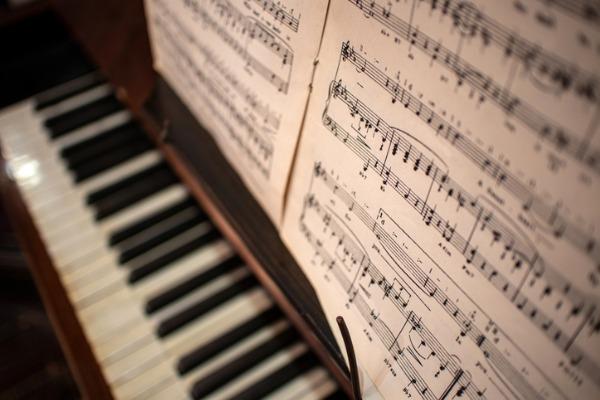 初心者や苦手な人がピアノを練習し上達させる方法