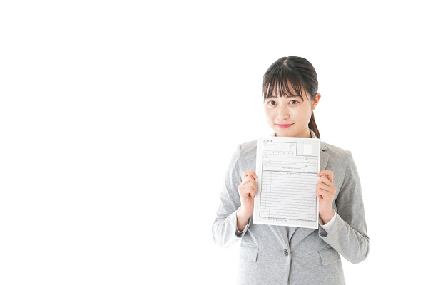 保育士の履歴書の書き方。封筒の宛名や志望動機、自己PRを書くときのポイント