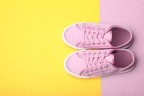 保育士さんの靴・靴下の選び方。通勤・雪遊びなどのケース別対処法
