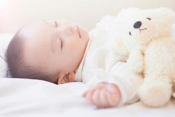 乳児院とは。働くために職員として必要な資格や施設の目的や役割