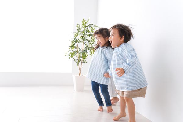 認可保育園とは。運営や配置基準、認可外保育園や幼稚園との違いなど
