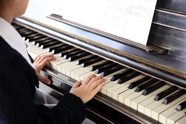 保育士試験で音楽表現の実技を受けるときのポイント。練習方法や当日の対策