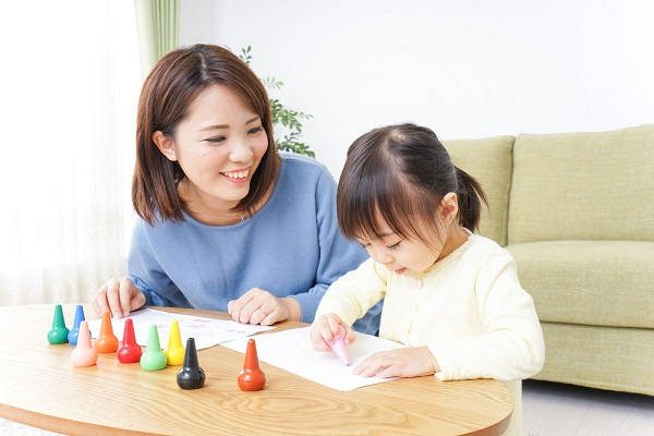 保育における言葉かけ~前編~実習に役立つ、子どもを伸ばす言葉選びのポイント【保育士体験談あり】