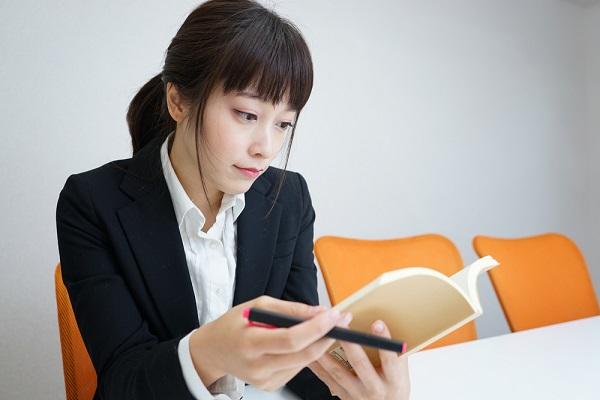 保育士試験の勉強のコツとは。合格に向けた筆記・実技の対策や勉強方法