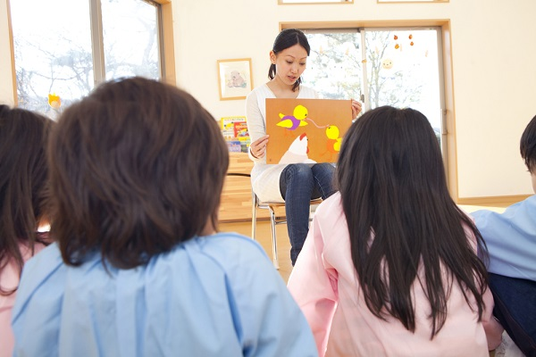 保育実習とは。目的や一日の流れ、実習日誌の書き方や注意点など