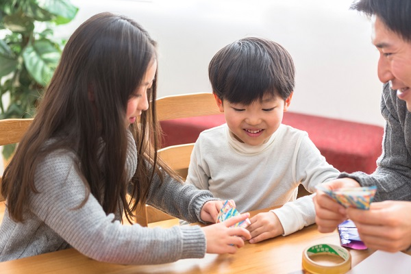 児童館とは何か。主な施設や職員の仕事、就活に役立つポイント