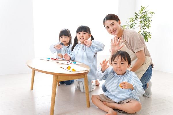幼保特例制度とは。経過措置はいつまでかや資格取得方法、活用するメリット