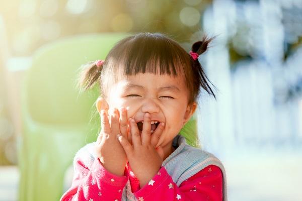 保育園で子どもの喧嘩が起きたとき。実習中の声かけや止めるときの対処法