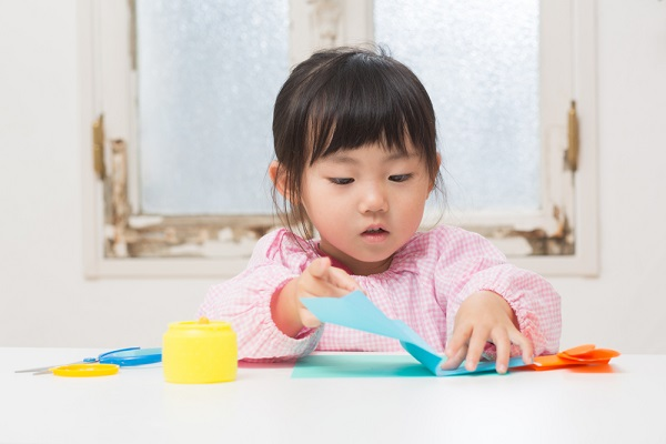 紙コップを使った製作10選!ねらいや特性、年齢別に楽しめる製作アイデア