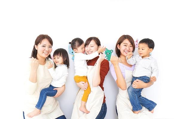 幼稚園の預かり保育とは。延長保育などの内容や必要な資格、入職後に携わるときのポイント