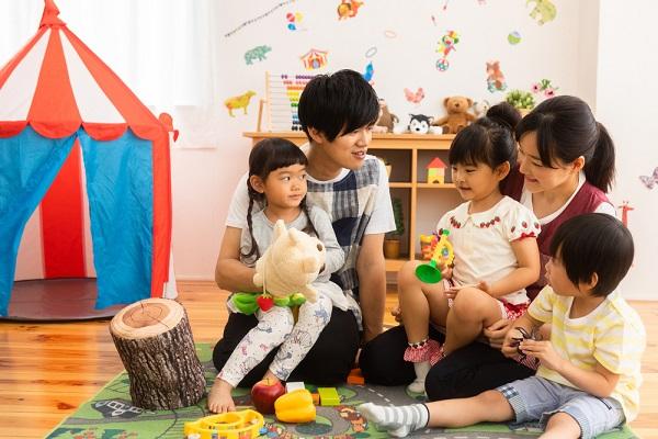 学童保育指導員とは。仕事の内容や必要となる資格、就活をするために知っておきたいこと