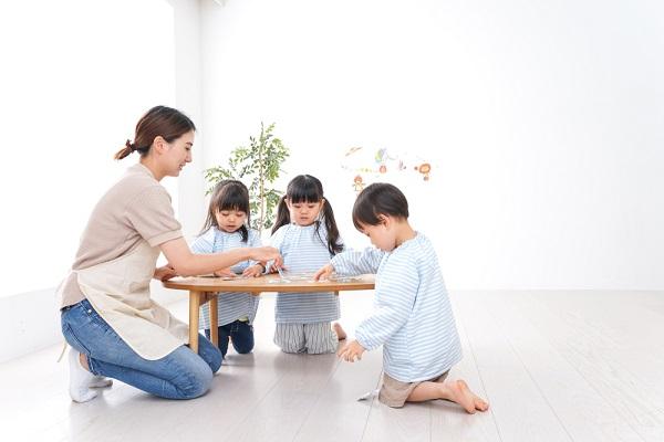 製作が早く終わった子どもへの対応の仕方。予想される子どもの姿や活動が終わるまでの過ごし方