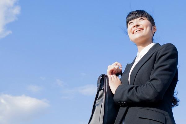 【新卒の就活】会社説明会とは?服装やマナー、質問例などを徹底解説!