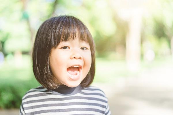乳児が楽しめるゲーム性のある室内遊び。雨の日などのレクリエーションに活用できるアイデア