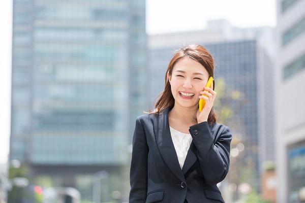 【就活生必見!】折り返し電話をするときのマナー。話し方の例文や相手が出ない場合の対応