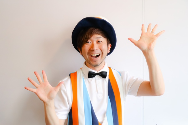 大人気あそび歌作家 鈴木翼さんに聞く「楽しく保育をするコツ」