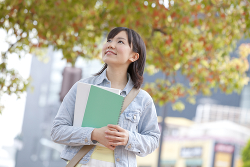保育士に学歴は関係ある?資格取得、キャリア、給与など学歴による違いを解説!