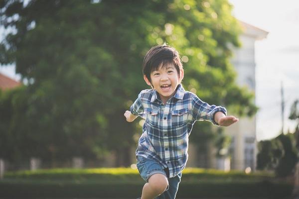 【10の姿】「健康な心と体」とは。遊びの中に表れる子どもの姿の具体例
