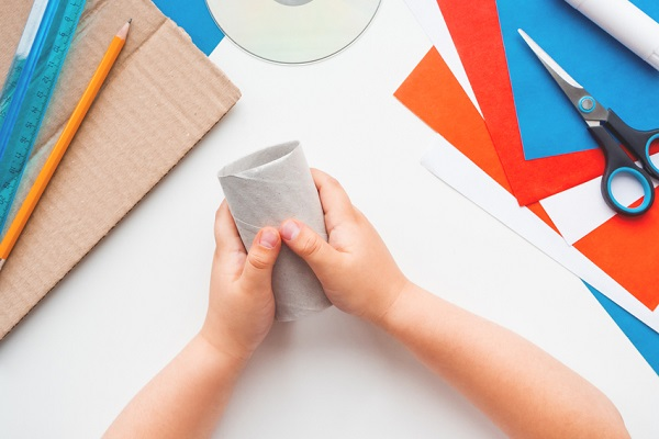 🧻🧻保育園でできるトイレットペーパーの芯を使った工作。製作や遊びに展開できるアイデア
