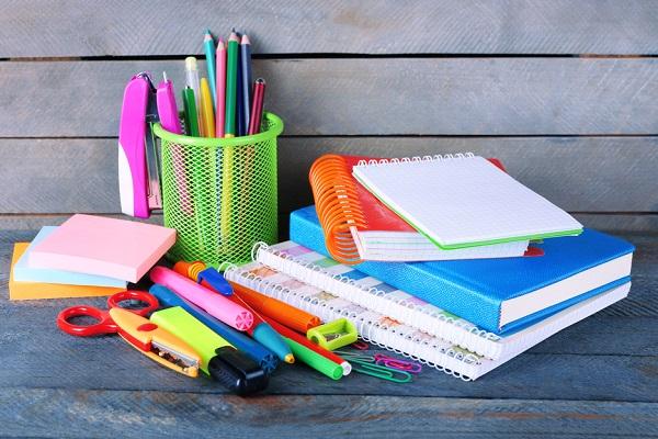 【保育士さん必見!】仕事に役立つ便利グッズ21選。製作や事務作業に使える文房具など