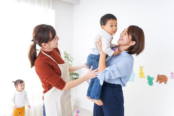 幼稚園の預かり保育とは?一時保育との違いや内容、必要な資格について