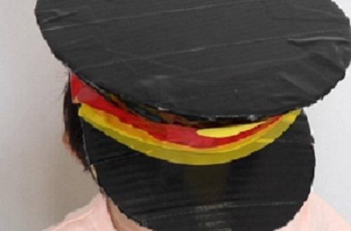 【動画】電車ごっこが楽しめる、段ボールで作る車掌さんの帽子