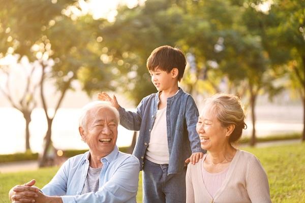 敬老の日とは。由来やいつなのかを子ども向けに伝える方法