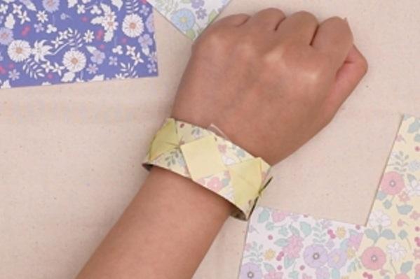 【動画】プレゼントにも最適な折り紙ブレスレットでおしゃれをしてみよう