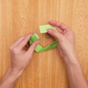 折り紙リース 組み合わせてリースのできあがり