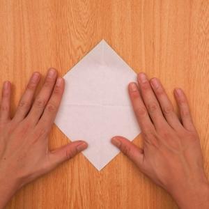 折り紙の門松 折り紙を2回折って開く工程