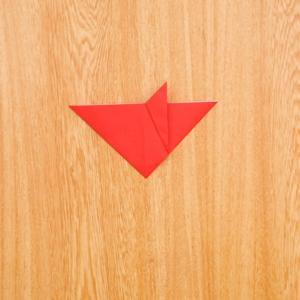 折り紙福袋 右の部分を内側に折り、さらに外側に折り返す工程