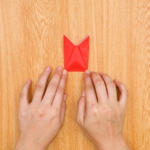 折り紙福袋 下の部分を上に向かって折る工程