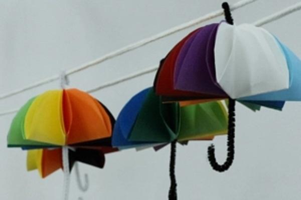 【動画】雨の日も楽しく製作できる!10色ミニ傘を作ろう