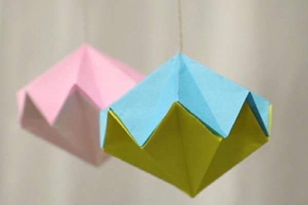 【動画】天井や壁などの装飾にぴったり!折り紙で作るくす玉