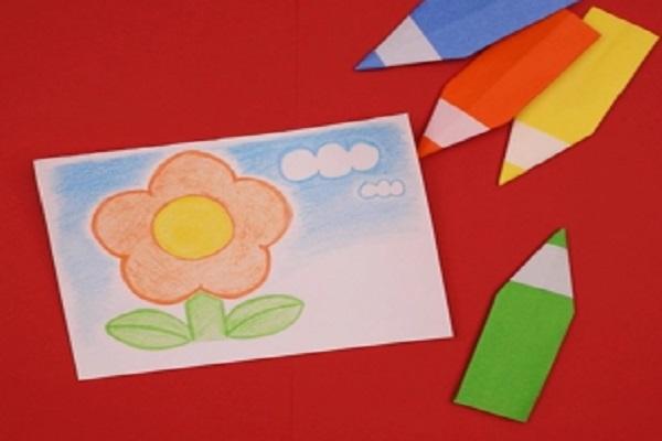 【動画】ごっこ遊びに活用できる!折り紙で作るえんぴつ