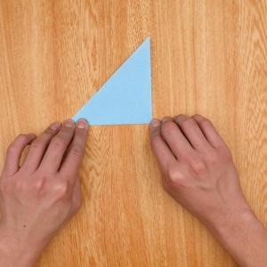 折り紙を2度折る