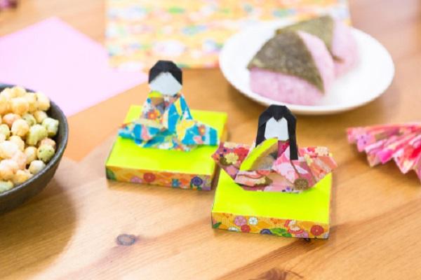 ひな祭りに作る折り紙製作。簡単にできるリースやつるし飾りなどのアイデア
