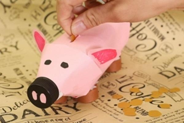 【動画】お金を知る導入として活用できる!ぶたの貯金箱