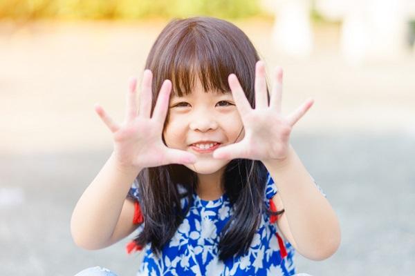 憲法記念日とは。意味や由来、保育園で子ども向けに簡単に伝える方法