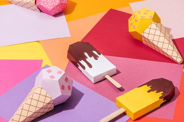 アイスクリームの日に楽しめる製作。ねらいや乳児、幼児別のアイデア