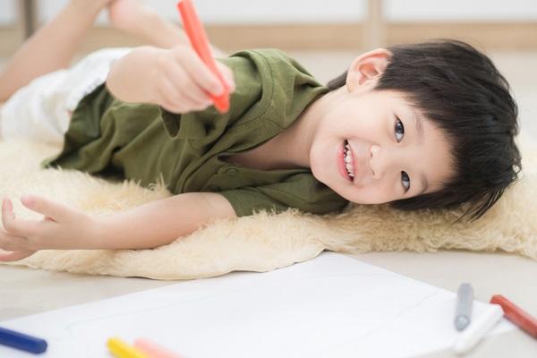 【19選】4歳児向けの室内遊び!保育のねらいと、集団でできるゲームや運動、製作