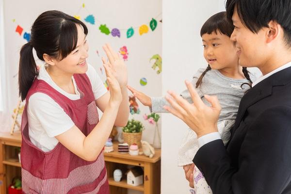 幼児向けのふれあい遊び。保育に役立つ、幼児同士や親子で楽しめるアイデア