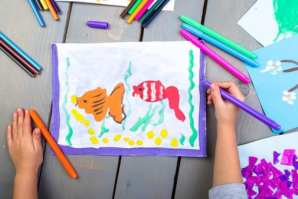保育園でできる海の生き物製作。折り紙や紙皿で簡単に作れるアイデア