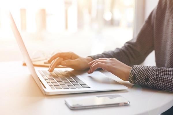 【採用担当者向け】応募者への採用メールの作り方。合格、不合格、辞退者別の注意点や例文