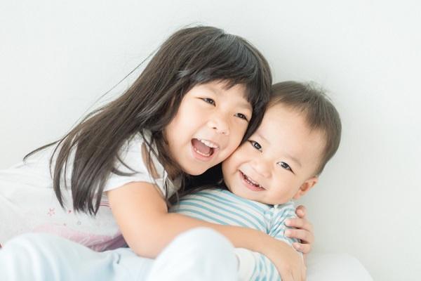 異年齢児保育とは?ねらいや意味、子どもが楽しめる遊びやゲームのアイデア
